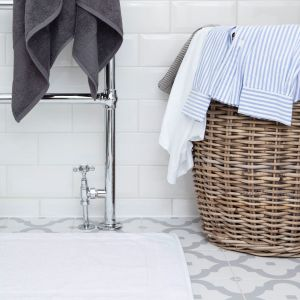 Perfect underfoot comfort with our white bath mat